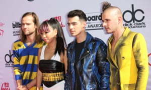 DNCE: missing more than a vowel