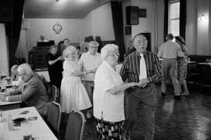 Cwm. Seniors dance in the local social club. 1998