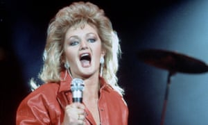 Bonnie Tyler performing.