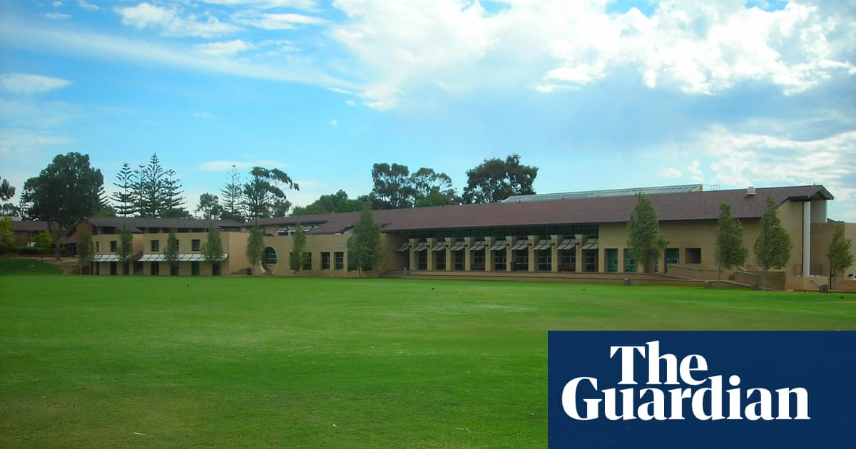 Hale private boys' school in Perth received more than $7m in jobkeeper