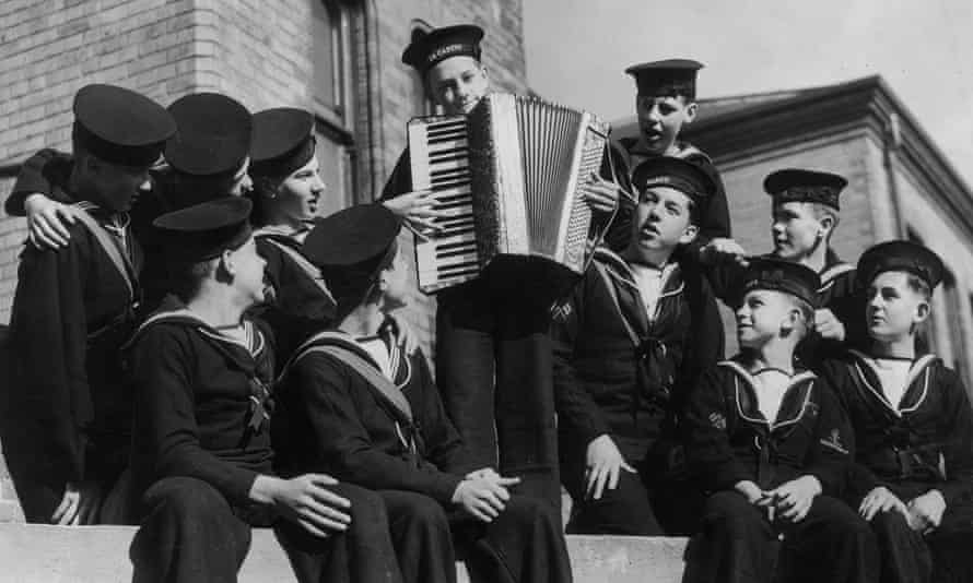 Sea shanties as they used to be sung: Reading Sea Cadets in 1941.