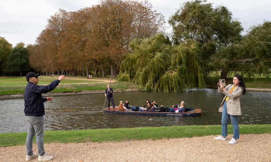 Tourists visit Cambridge