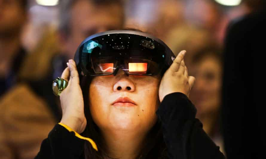 Brainwave-reading technology could eliminate the need for a controller when using a virtual reality headset.