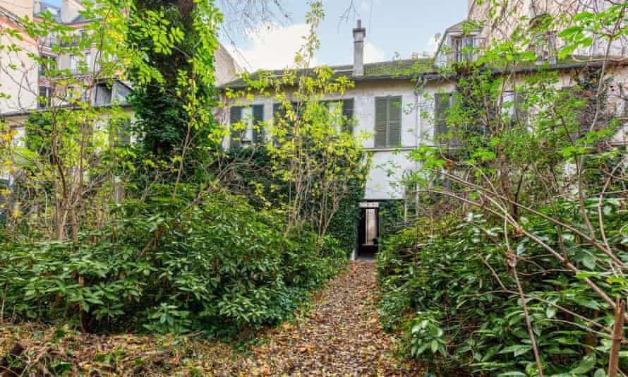 The mansion at 12 rue Oudinot had been empty for more than 30 years