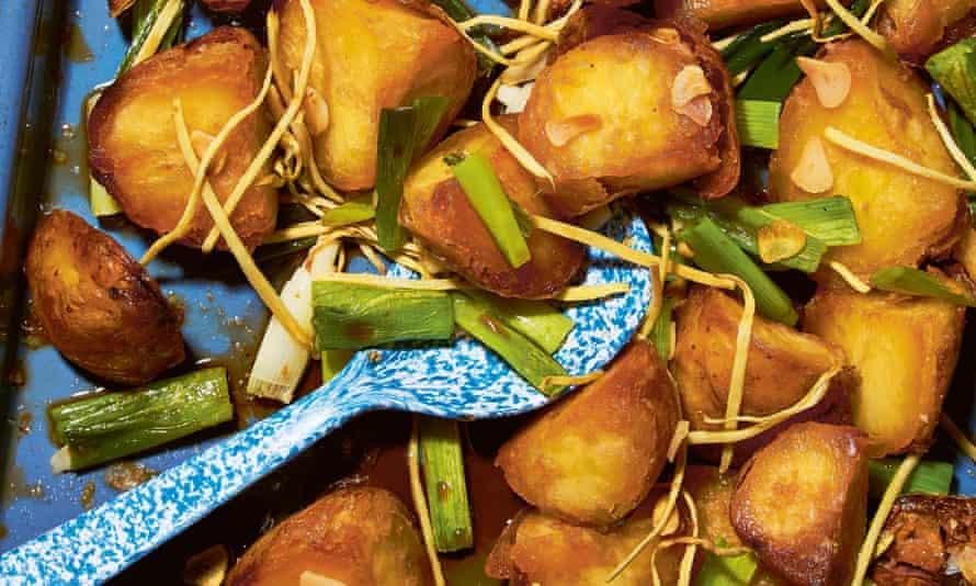 Kentang kecap dan jahe – crispy soy and ginger roast potatoes by Lara Lee.