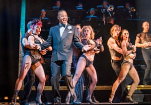 Cuba Gooding Jr. (Billy Flynn) in Chicago The Musical