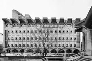 Macedonian Telekom, the Central Post Office of Skopje (Janko Konstantinov, 1974)