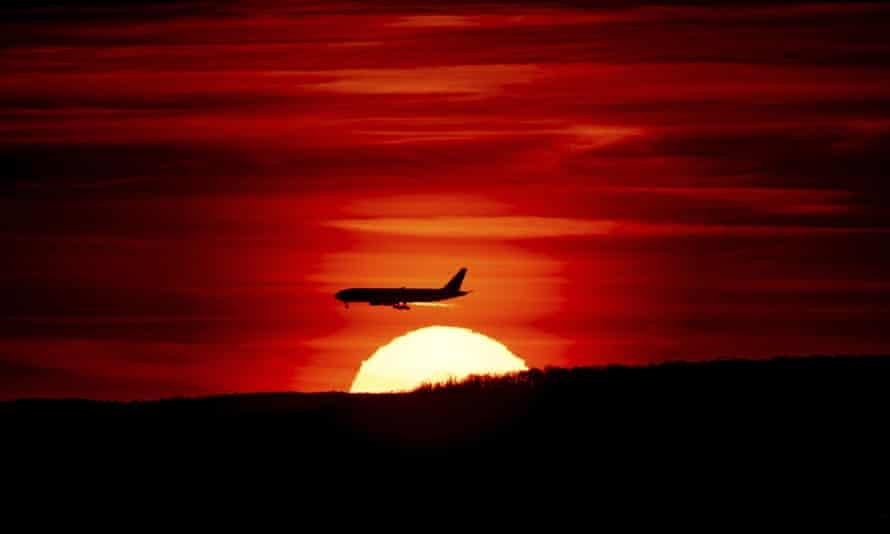 A plane approaches Newark Liberty airport