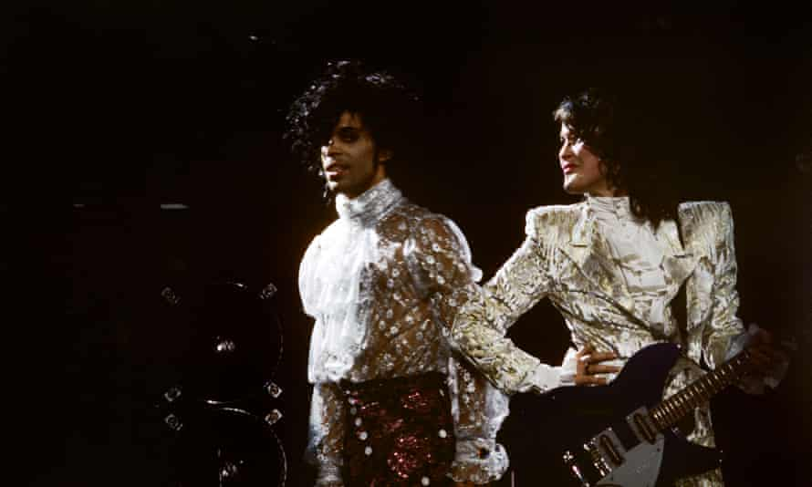 Prince on stage with Wendy Melvoin.