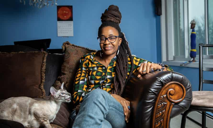 How Nnedi Okorafor is building the future of sci-fiAuthor Nnedi Okorafor with her cat Periwinkle Chukwu at her home in Flossmoor, Ill. on Monday, Feb. 4, 2019. She is a longtime Flossmoor resident who has become one of the buzziest science fiction writers in the world. (Zbigniew Bzdak/Chicago Tribune/Tribune News Service via Getty Images)