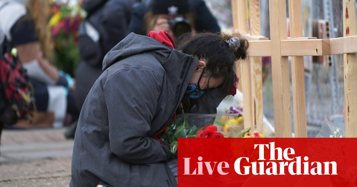 US divide over gun control thrown into sharp relief in Congress – US politics live