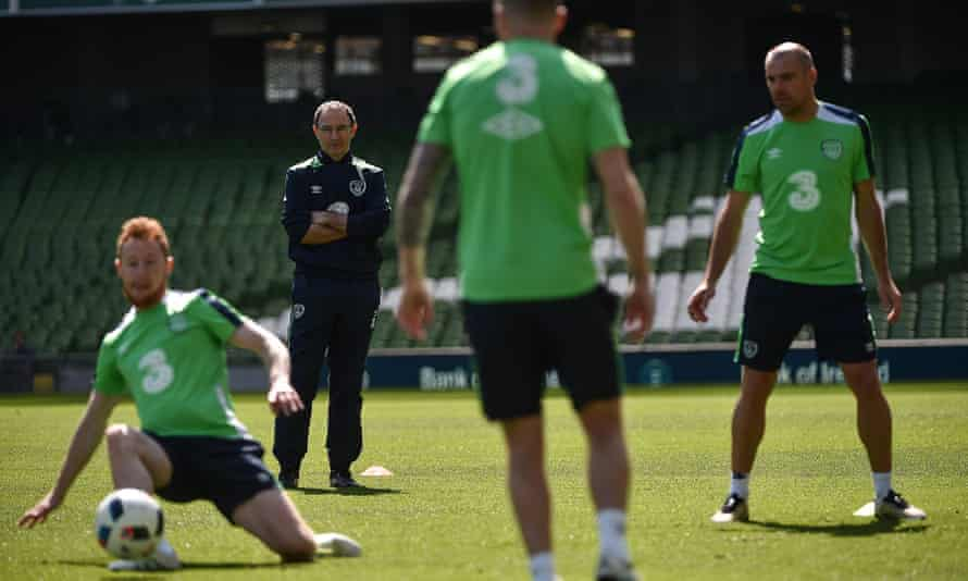 Martin O'Neill, second left, has to cut his Republic of Ireland squad down to 23 for Euro 2016 after the Belarus match