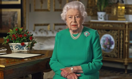the queen makes her 5 april tv broadcast