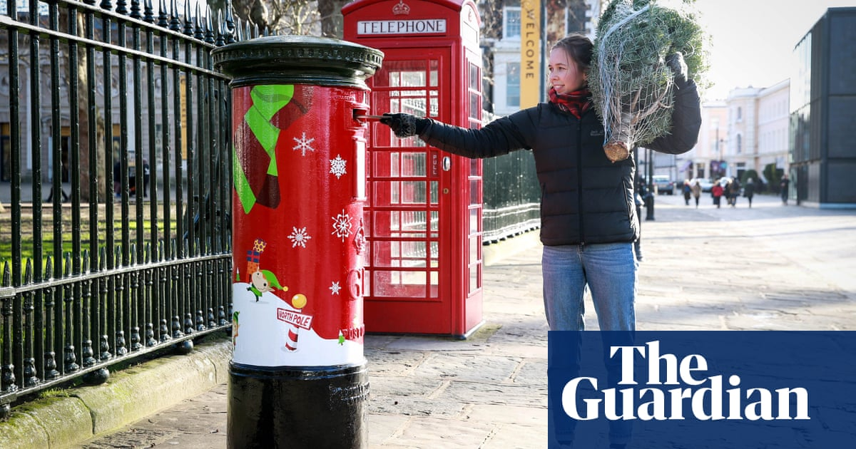 Royal Mail opts not to deliver bonuses to senior executives
