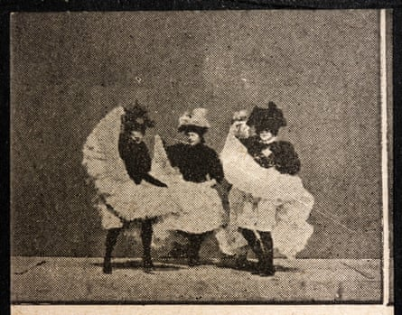 A still from La Danse du Cancan. Flipbooks were marketed to appeal to a broad audience.