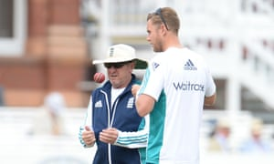 The England coach Trevor Bayliss and seam bowler Stuart Broad chat during the third Test against Sri Lanka at Lord's.
