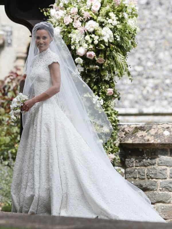 Middleton in her Giles Deacon dress.