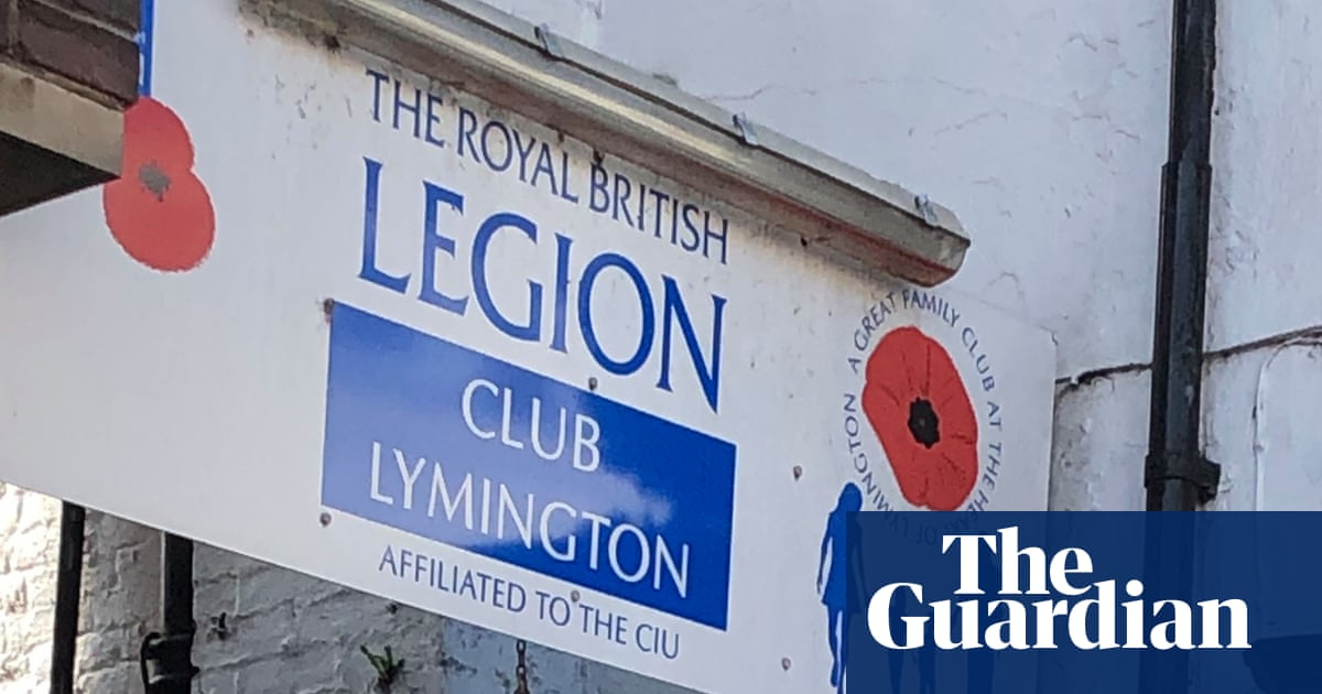 Man, 23, dead and two injured after stabbing in Lymington