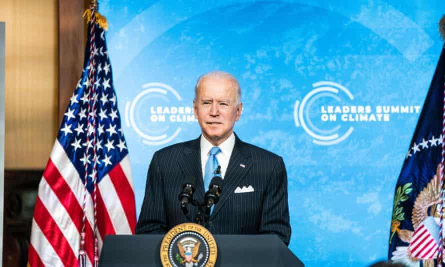 El presidente Joe Biden habla en la cumbre virtual sobre el clima.