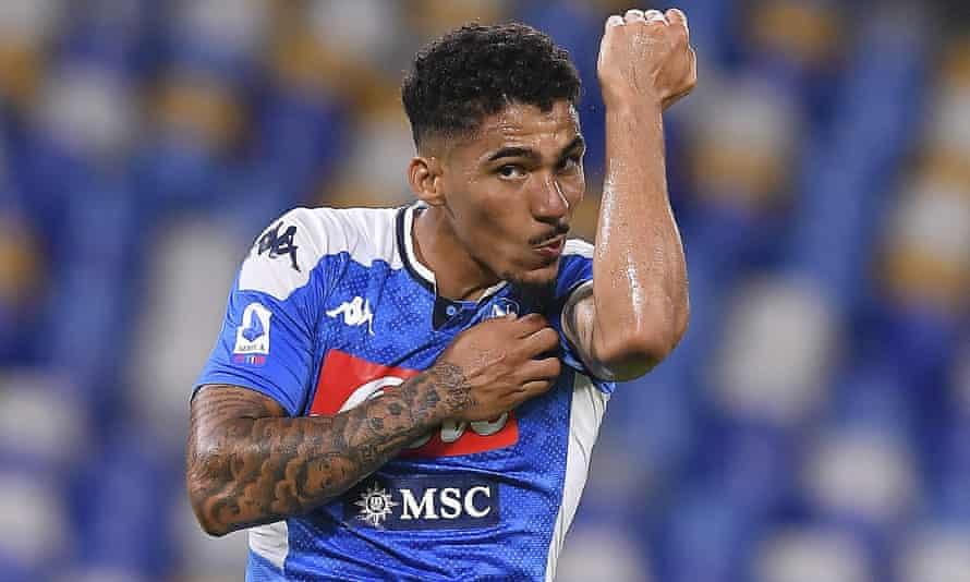 Allan playing for Napoli