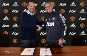 Manager Jose Mourinho shakes hands with executive vice-chairman Ed Woodward