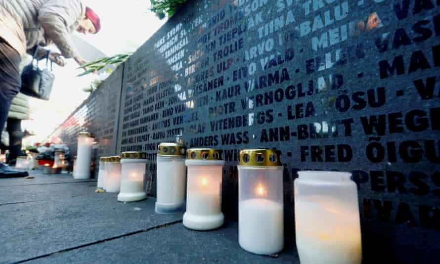 Candles marking 25th anniversary of MS Estonia disaster