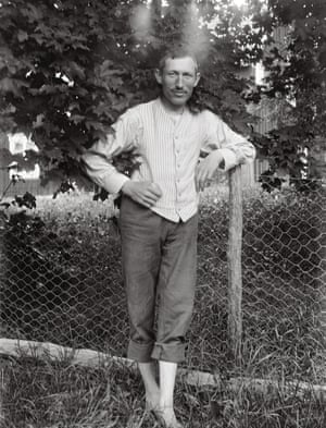 Self Portrait, John Alinder in his garden, 1910–20This book shows Alinder's portraits for the first time. He is a unique portrait photographer whose work can match other acknowledged photographers from the same period, such as Gertrude Käsebier, Mike Disfarmer or August Sander