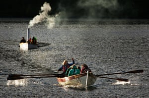 The Steam Boat Association of Great Britain (Scottish branch) kindly helped out puffing the race umpires up and down the loch.