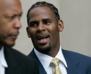 R Kelly leaves court in June 2008 in Chicago.