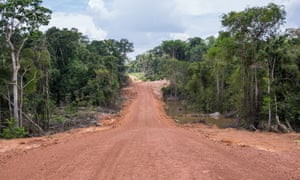"The yet to be asphalted section of the ""Expresso Porto"" highway, linking the port region to the BR-364."