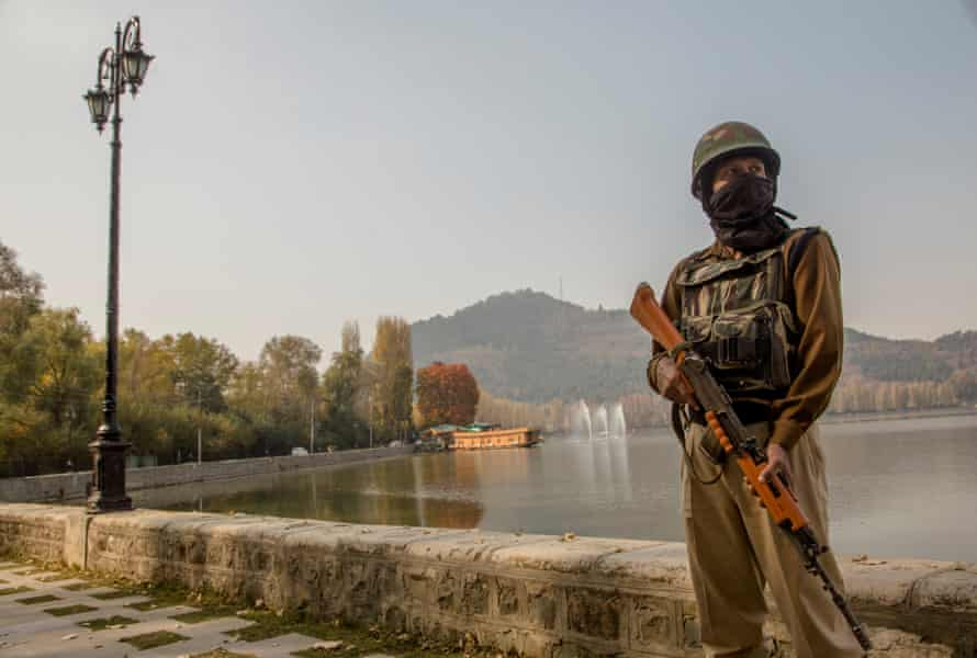 In Kashmir, Modi has blocked the internet for 13 weeks and dissolved the constitution.