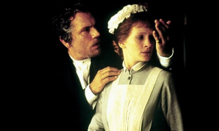 John Malkovich and Julia Roberts in Mary Reilly
