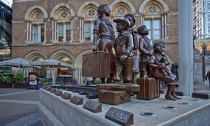 A memorial to the children of the Kindertransport, Liverpool Street station, London.