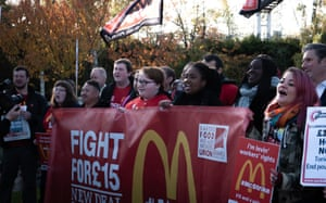 Picket at McDonald's workers' strike on 12 November 2019