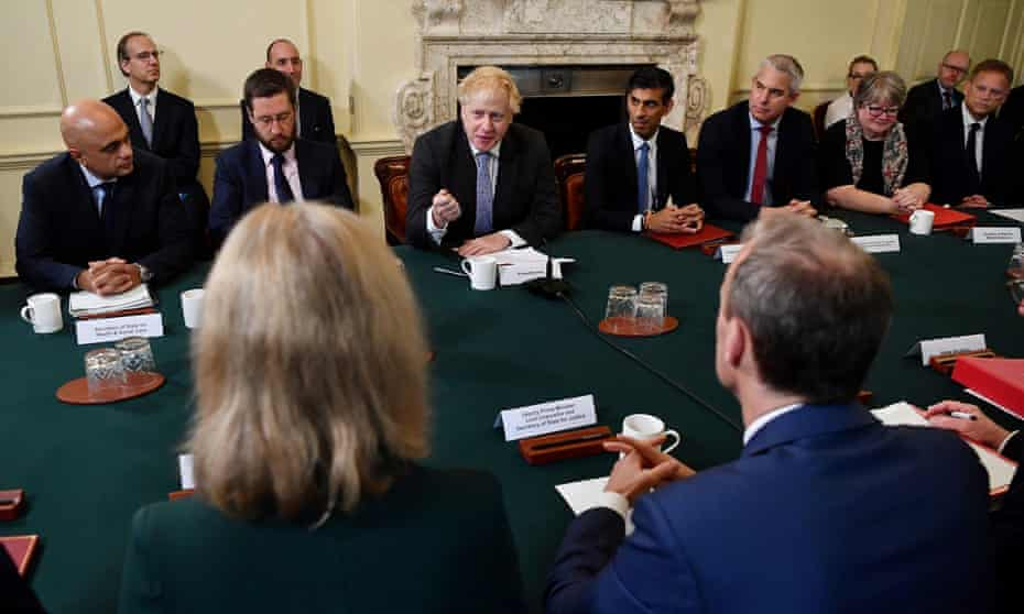 The lack of masks at last week's first meeting of Boris Johnson's reshuffled cabinet serves to undermine public messaging on face coverings.