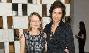 Hammer Museum 14th Annual Gala In The Garden with Generous Support from Bottega VenetaWESTWOOD, CA - OCTOBER 08: Actress Jodie Foster (L) and Photographer Alexandra Hedison, both wearing Bottega Veneta, attend the Hammer Museum 14th Annual Gala In The Garden with generous support from Bottega Veneta at Hammer Museum on October 8, 2016 in Westwood, California. (Photo by Donato Sardella/Getty Images for Hammer Museum)