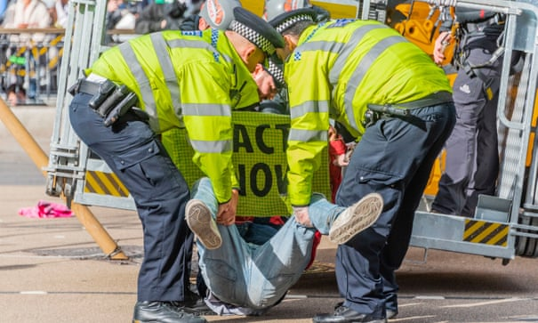 Extinction Rebellion protest: Met accused of 521 abuses of power