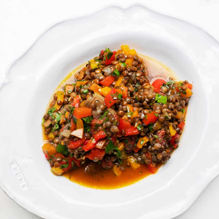 A salad of lentils and red peppers