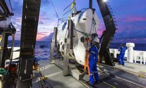 A technician checks the submarine DSV Limiting Factor.