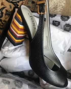 از کفش های peep-toe نیکلسون شکایت کنید.
