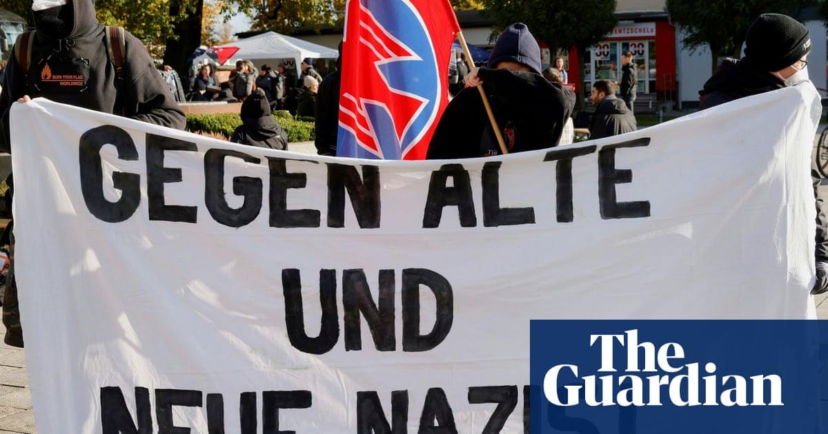 German police halt armed far-right vigilantes on Polish border