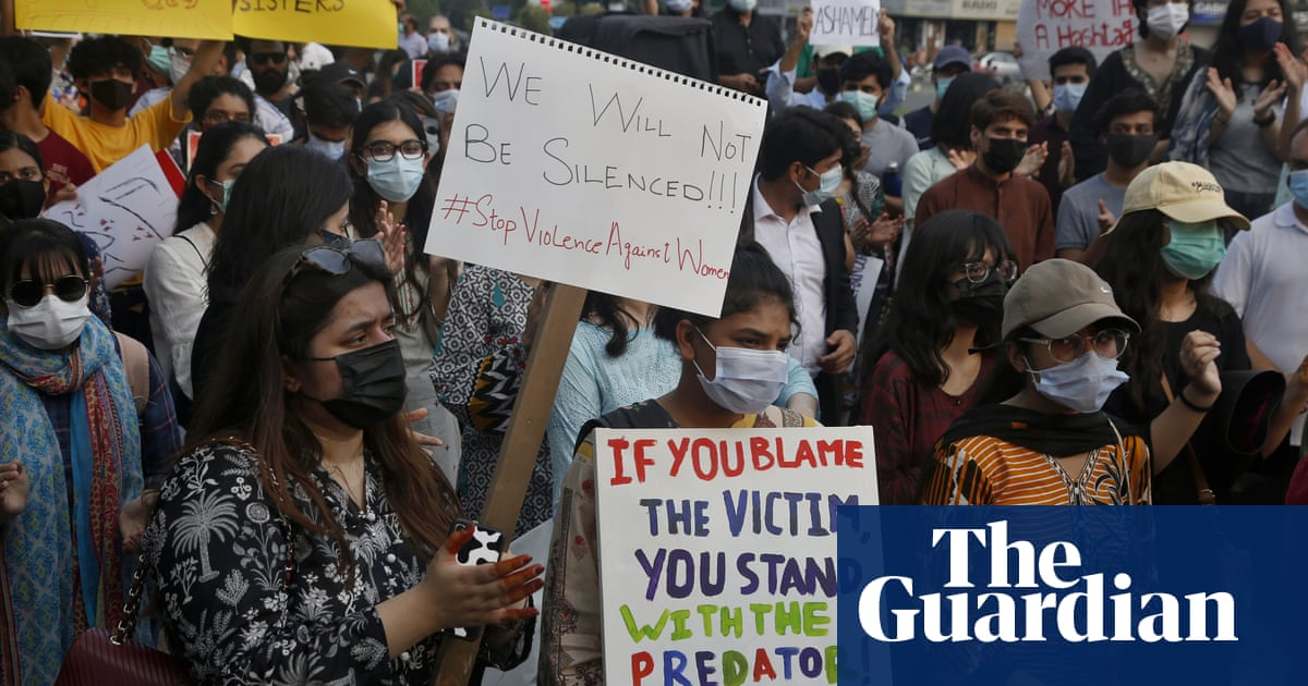 Hundreds of men in Pakistan investigated over mass sexual assault on woman