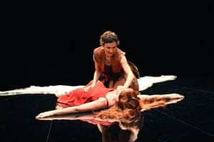 The Penelopiad, 2007. Directed by Josette Bushell-Mingo, designed by Rosa Maggiora. The photograph shows Penelope (Penny Downie) and Odysseus (Sarah Malin).