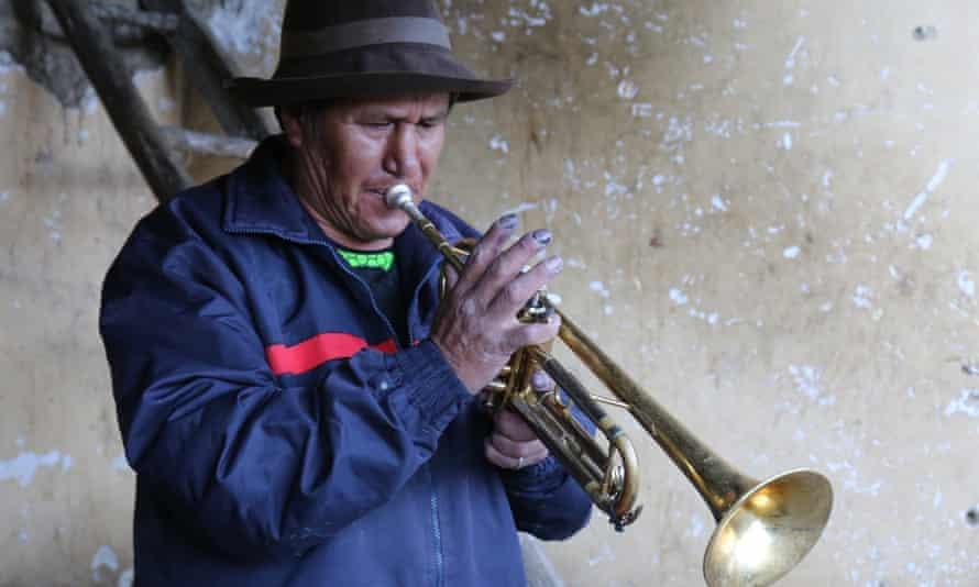Juan Araujo playing trumpet
