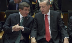 The tensions between Ahmet Davutoğlu (left), the outgoing Turkish prime minister, and President Recep Tayyip Erdoğan spilled over this week.