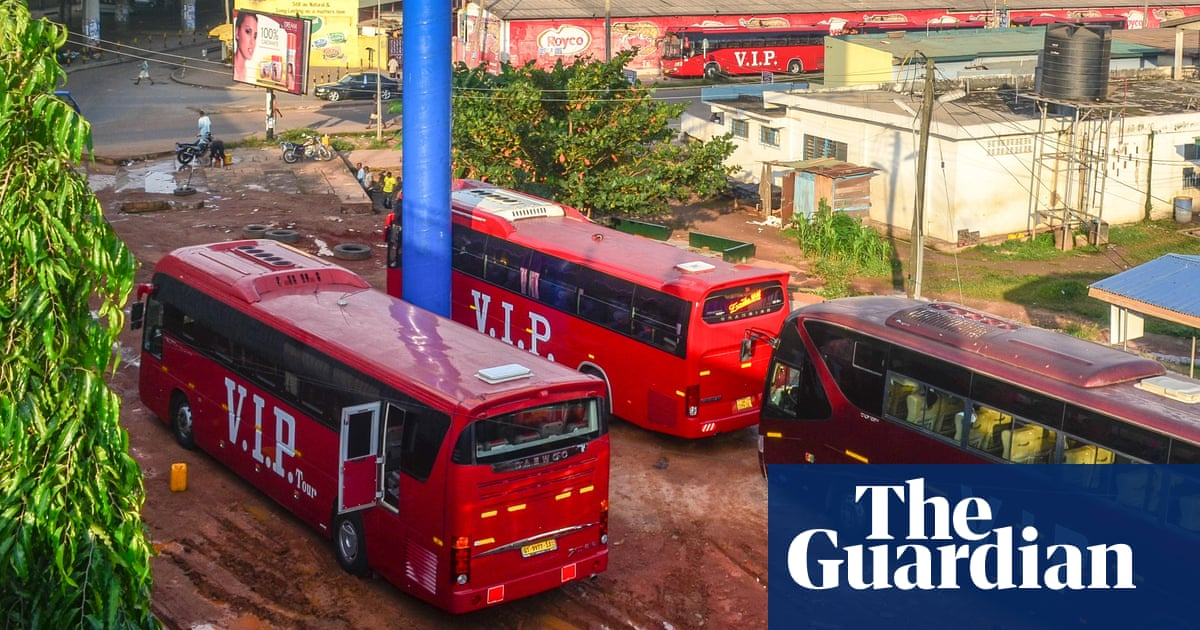 Ghana: At least 60 die as two buses collide in Bono East