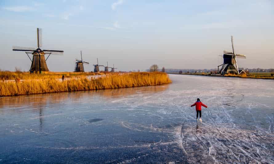 Cold weather in Kinderdijk.