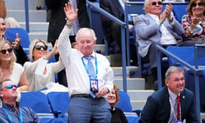 Rod Laver waves to the crowd during the match between Daniil Medvedev and Felix Auger-Aliassime earlier Friday.