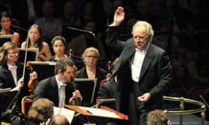 Yuri Temirkanov conducts the St Petersburg Philharmonic Orchestra.