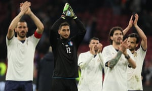 Gianluigi Donnarumma and his teammates applaud the Italy fans after their victory in Holland.